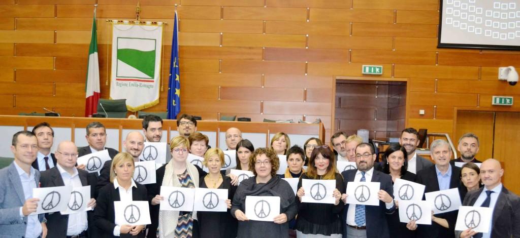 gruppo PD_Parigi_simbolo pace