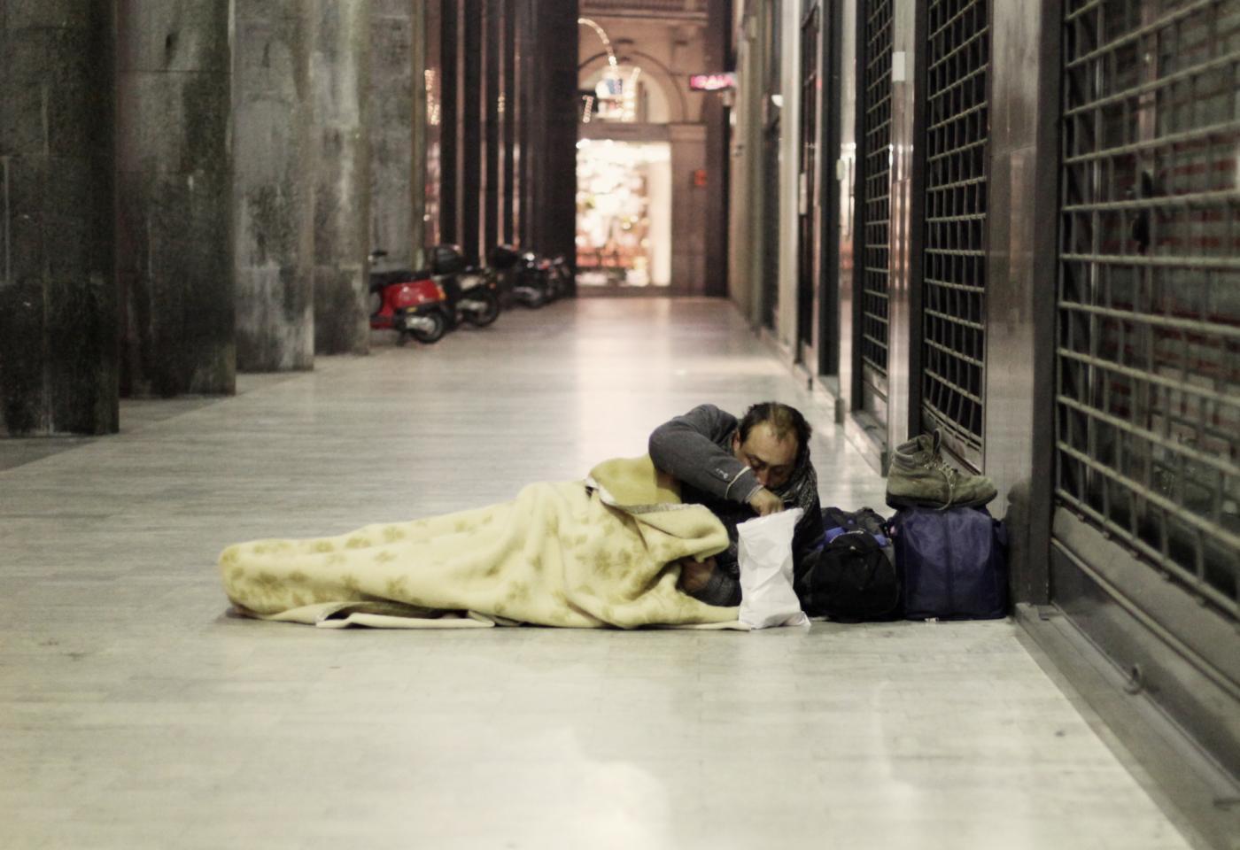 """Welfare. Contrasto alla povertà, risoluzione Mumolo per adottare le """"LINEE DI INDIRIZZO"""" SULL'EMARGINAZIONE ADULTA IN ITALIA"""""""