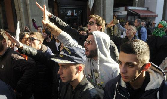 """Saluti fascisti davanti al sacrario in Piazza Nettuno. Caliandro: """"Fatto gravissimo, la Borgonzoni chieda scusa all'ANPI e alla nostra città"""""""