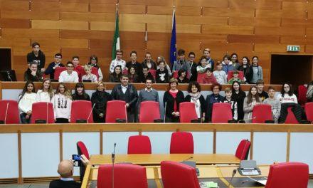 Gli studenti delle scuole medie di Fanano (Modena) in visita all'Assemblea Legislativa