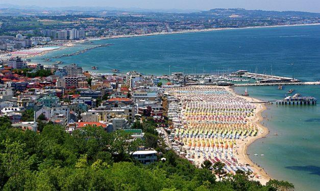 Il primo bando della legge regionale sul distretto turistico balneare.