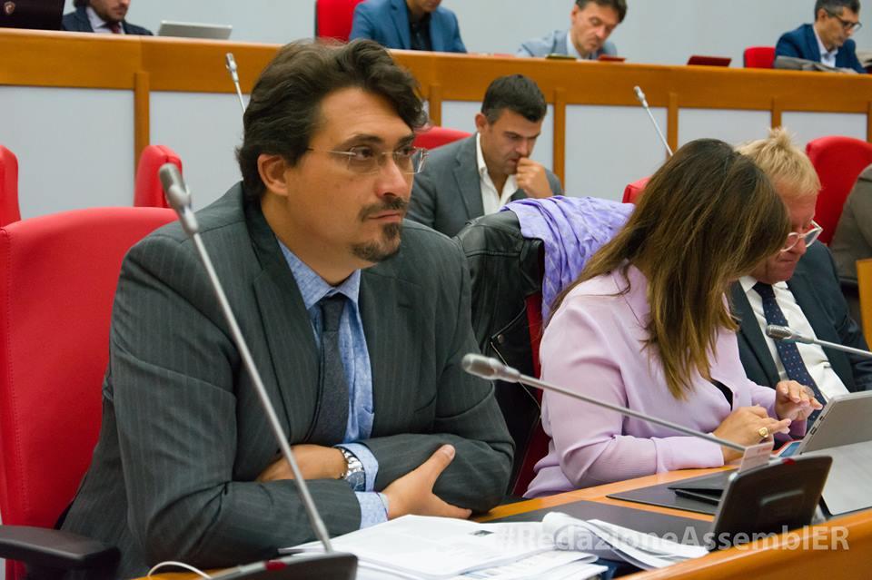 Firma contratto Regione ER. Caliandro: Regione ER ai vertici europei per efficienza e innovazione mentre il Governo nazionale taglia sulla PA